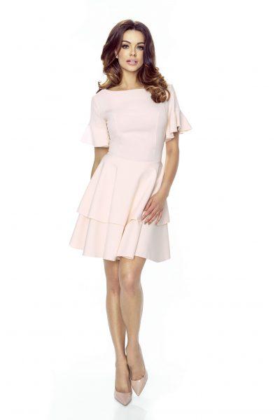 Šaty s volánikom na rukáve a dvojvrstvovou sukňou