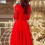 Asymetrické šaty s čipkou