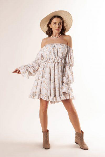 Mini šaty so španielskym výstrihom