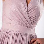 Šaty strihané cez poprsie