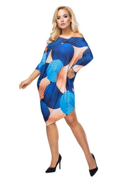 Asymetrické šaty s módnou potlačou