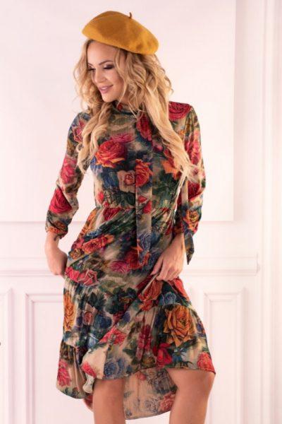 Farebná šaty s kvietkovaným motívom