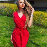 Krátke puzdrové šaty – Kassi