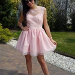 Krátke spoločenské šaty s tylovou sukňou